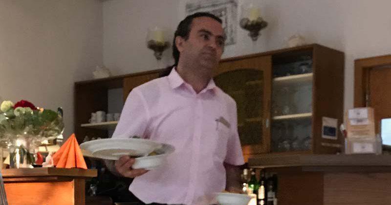 Job im griechischen Restaurant